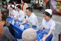 义诊:重庆明好医院团总支青年志愿者社区送健康
